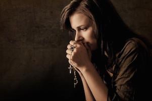 Karolina: Nowenna o uzdrowienie z trądziku