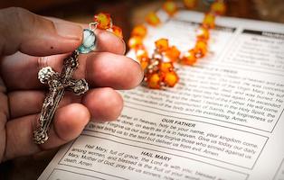 670px-Pray-the-Rosary-Step-3-Version-3