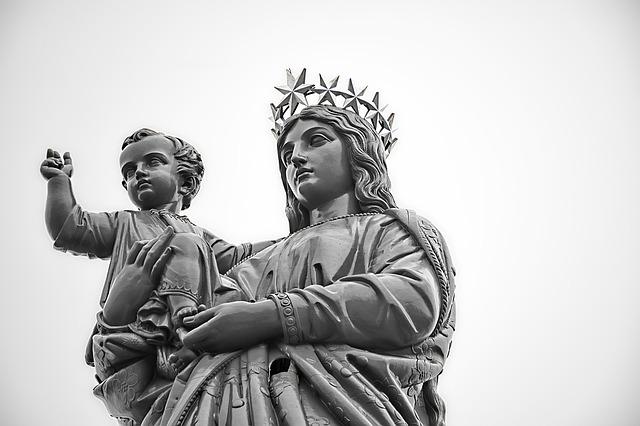Anka: Z pokorą zawierzcie siebie Matce