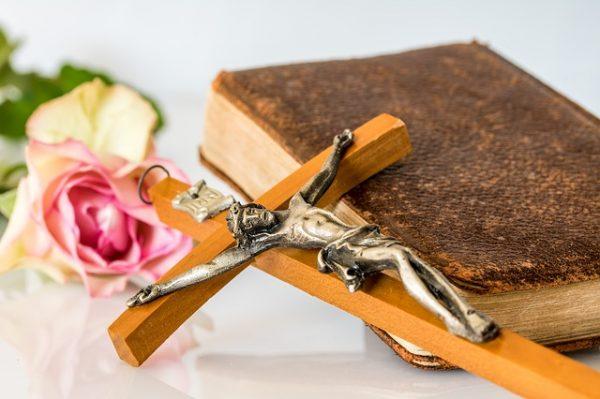 Elizabeth: Tylko uwierz i zawierz Siebie i Rodzinę Matce Boskiej i Jezusowi!