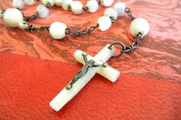 Danuta: Z Matką Bożą i Różańcem idę przez życie